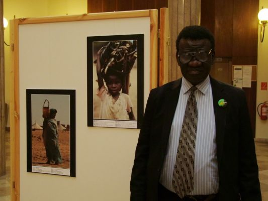 exibition_of_african_art_at_the_hungarian_parliament_hall-orszaggyules_20131206_1770798164.jpg